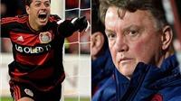 Chicharito lại xuất sắc nhất Bundesliga, Van Gaal có đắng lòng?