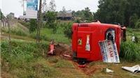 CẬN CẢNH: Xe khách lật nhào trên QL 1A, 19 người về quê đón Tết bị thương