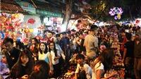 Du xuân tại phố cổ Hà Nội