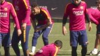 Mascherano suýt đánh nhau với Suarez trên sân tập