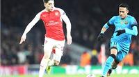 Barca sẽ thay Alves bằng Bellerin