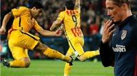 Suarez thấy tiếc cho Torres vì phải nhận thẻ đỏ