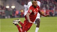 Arturo Vidal ăn vạ lộ liễu giúp Mueller chạm mốc lịch sử ở Bayern