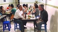 Quán bún chả ngon nhất Việt Nam đón tổng thống Obama đến ăn có gì đặc biệt?