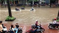 Hà Nội trong cơn mưa lớn đầu mùa…