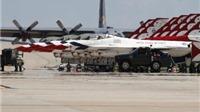 Ngày thê thảm của Mỹ: 1 máy bay rơi trước mặt Obama, 1 chiếc rơi khi cất cánh