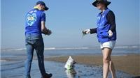 Thu Minh cùng 1.000 tình nguyện viên dọn rác biển suốt 4 tiếng