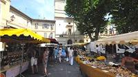 Những nẻo đường EURO: Giữa hoa, thịt và mùi oải hương Saint Rémy de Provence