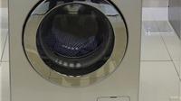 Một bà mẹ bị bắt vì để con 3 tuổi tử vong trong máy giặt