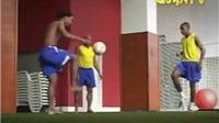 Xem 3 siêu sao một thời của Brazil tâng bóng bằng chân trần như ma thuật