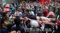 Sập nhà tại phố cổ Hà Nội - Toàn bộ 8 nạn nhân mắc kẹt được giải cứu