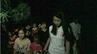 CHÙM ẢNH: Hoa hậu Việt Nam Đỗ Mỹ Linh làm thợ hồ, kéo dây điện