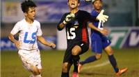 Phó giám đốc trung tâm bóng đá An Giang xấu hổ khi cầu thủ đội nhà đánh người