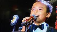 VIDEO: Ca sĩ ấn tượng Hồ Văn Cường, phút ngác ngơ trên sân khấu VTV Awards