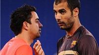 Xavi gây sốc khi KHÔNG ủng hộ Pep Guardiola trong trận derby Manchester