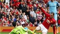 Quan điểm Graham Poll: Chelsea bị oan. Bravo đáng bị đuổi ở derby