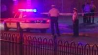 Cảnh sát Mỹ lại bắn chết người da màu mang súng giả cướp tiền