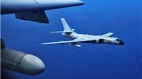 Máy bay Trung Quốc mang tên lửa rầm rập tuần tra biển Hoa Đông