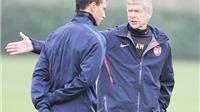 Wenger bị trò cũ  chỉ trích thậm tệ vì cư xử 'thiếu tôn trọng'