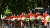 Nghệ sĩ gạo cội, người đẹp đạp xe diễu hành trên đường phố Hà Nội
