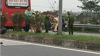 2 học sinh đi xe máy điện chết thảm khi sang đường