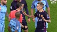 MỔ BĂNG: Lucas Digne bận 'buộc giày' trong bàn gỡ hòa của Man City