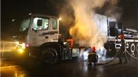 Cháy xe đầu kéo đang chạy trên Quốc lộ 1A, hàng tỷ đồng ra tro