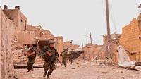 Khoảng lặng chết chóc ở Aleppo: Hoang mang không biết 'bắn' hay 'ngừng'