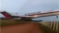 Thêm VIDEO 'ác mộng' về chiếc máy bay Colombia kéo lê trên mặt đất