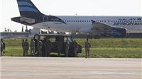 CẬP NHẬT vụ cướp máy bay Airbus A320: Không tặc quyết không thả phi hành đoàn, 109 hành khách được tự do