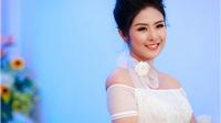 Hoa hậu Ngọc Hân tự tin khoe vai trần giữa trời Đông Hà Nội