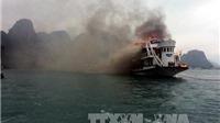 Cháy tàu du lịch trên vịnh Hạ Long, 14 du khách nước ngoài thoát nạn