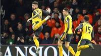 Giroud, Sanchez và niềm tin chiến thắng của Arsenal