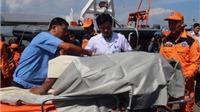 Chùm ảnh: Cứu hộ hàng chục ngư dân bị nổ tàu ở Bà Rịa -Vũng Tàu