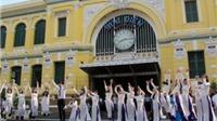 Lễ hội Áo dài TP HCM nói không với áo dài cách tân