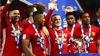 Với cảm hứng Ibra và trí tuệ Mourinho, mục tiêu của Man United phải là 'ăn ba'