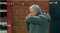 Man United thoát hiểm trước Celta Vigo nhờ Mourinho hôn... đồng hồ?