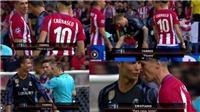 'Ronaldo hành xử như một ông chủ, Torres chỉ là một cậu bé'