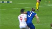 Rio Ferdinand ca ngợi pha... đánh cùi chỏ của Chiellini với Falcao dù người hâm mộ bất bình
