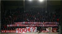 Bayern Munich đối mặt với án phạt của UEFA khi để CĐV ném tiền giả xuống sân