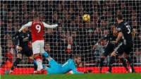 QUAY CHẬM: Arsenal như bị 'ma ám', bỏ lỡ cơ hội không tưởng trước M.U
