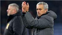M.U thua Spurs 0-2, Mourinho tức giận vì bàn thua ngây thơ, nói móc Phil Jones