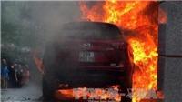 CHÙM ẢNH xe Mazda CX5 bị thiêu rụi vì đỗ cạnh đống rác