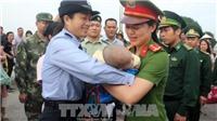 Trao trả cháu bé 4 tháng tuổi bị lừa bán sang Trung Quốc