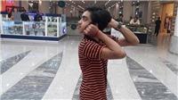 VIDEO: Sửng sốt cậu bé có thể vặn ngược đầu ra sau 180 độ như phim kinh dị