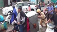 Mưa lớn, cửa ngõ phía Tây TP. Hồ Chí Minh ngập nặng