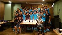 HLV Hữu Thắng đãi tiệc sinh nhật học trò, bầu Đức có 'siêu' HLV tới từ Nhật Bản