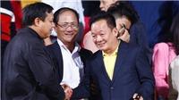HLV Lê Thụy Hải đề cao bầu Hiển, trọng tài nghi bán độ Thái Lan được khen