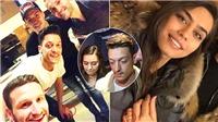 Mesut Oezil: Gia hạn với Arsenal và... cưới vợ
