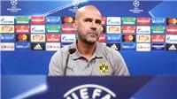 Peter Bosz lạc lối, Dortmund cần thuyền trưởng mới